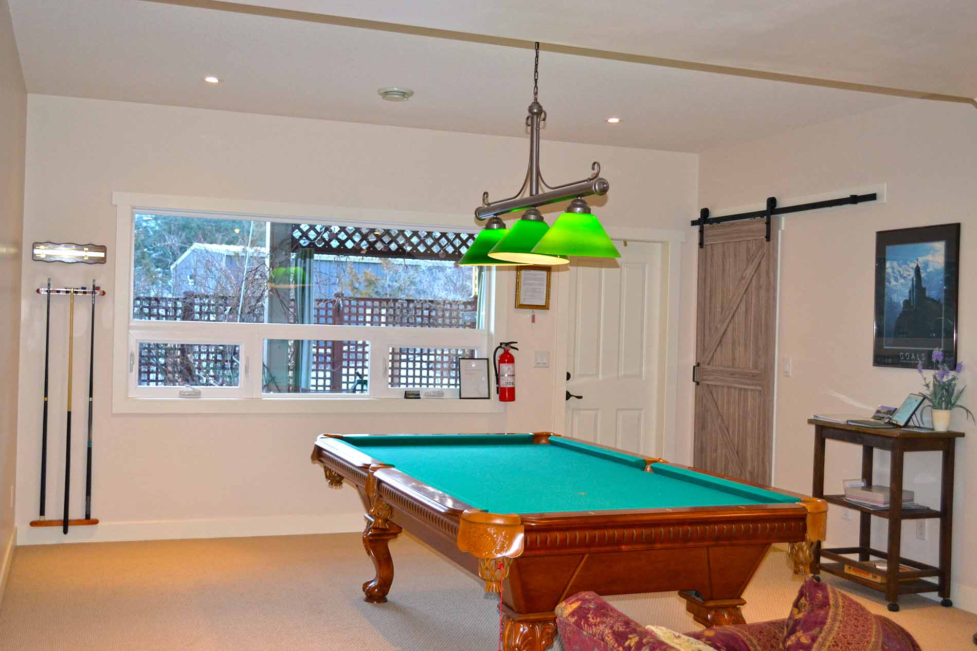 Recreation Room2 Family Accommodations Peachland Bb With Pool